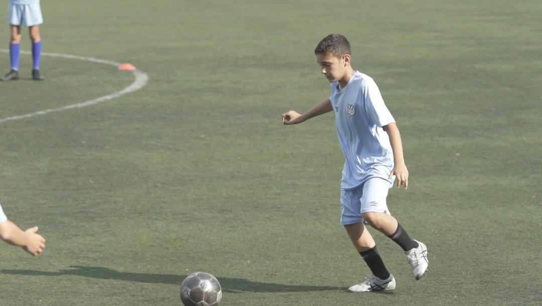 因为足球,源于热爱—13岁足球少年的非凡时刻