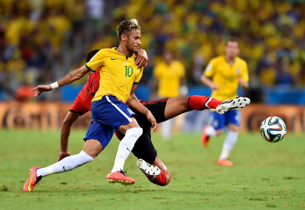 王之者足球:世界上哪个国家踢足球最厉害?