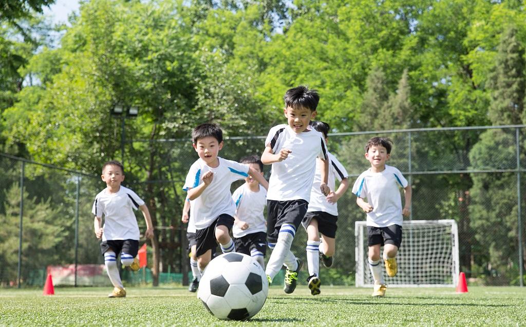 """【深圳王之者足球】用""""世界杯比赛""""奖励认真训练的孩子"""